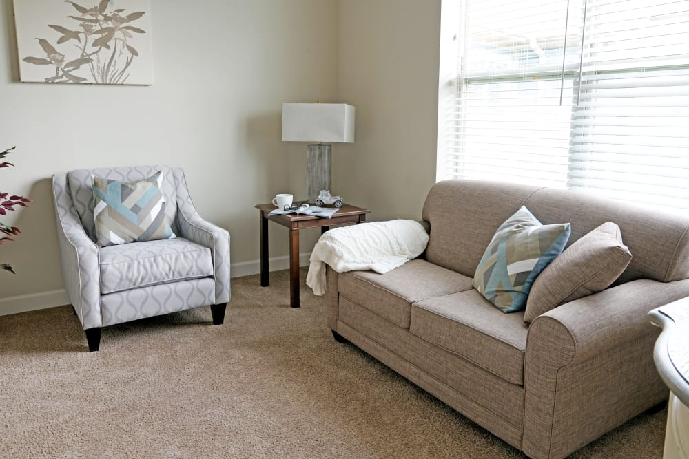 Living room at Harmony at White Oaks in Bridgeport, West Virginia