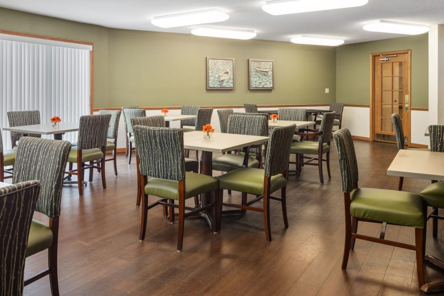 The dining room at Parkside of Livonia in Livonia, Michigan