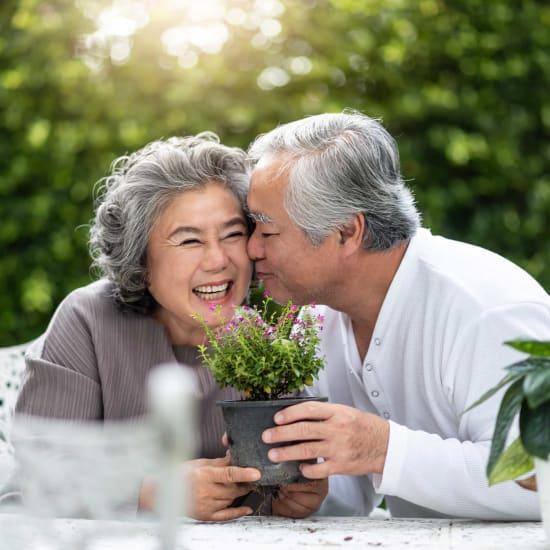 A resident couple at Carefield Pleasanton in Pleasanton, California