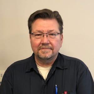 Tom,   maintenance technician at Applewood Pointe of Roseville  Roseville, Minnesota.