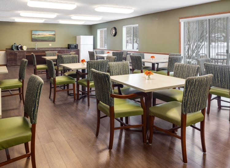 Parkside of Livonia dining area in Livonia, Michigan
