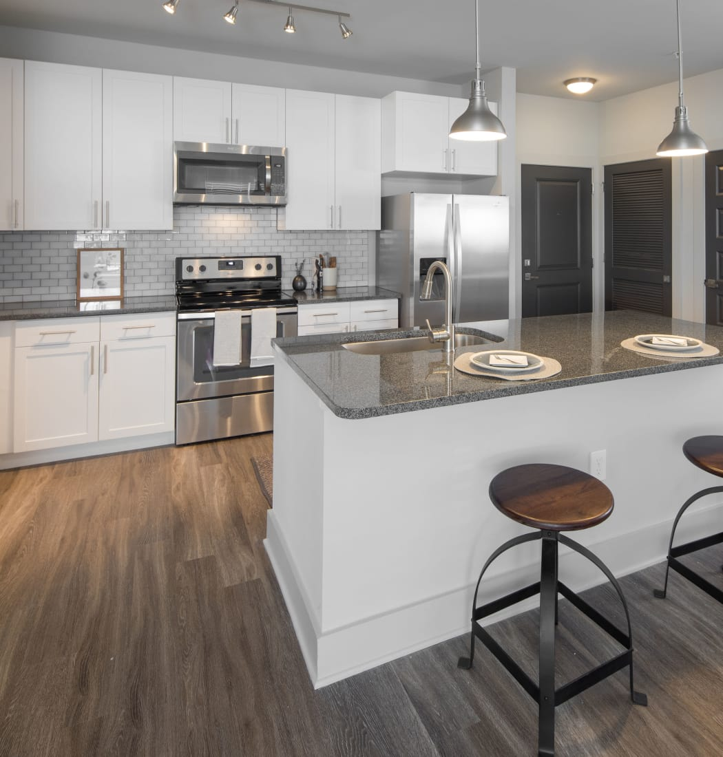 Apartment features at Leigh House Apartment Homes in Raleigh, North Carolina