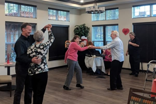 Residents of Wilshire Estates Gracious Retirement Living in Silver Spring, Maryland dancing