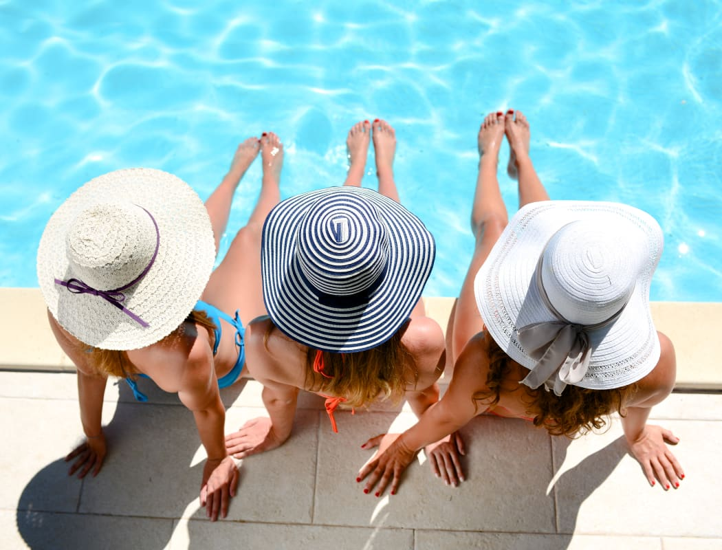 Friends enjoying the pool at Prairie Springs in Oklahoma City, Oklahoma