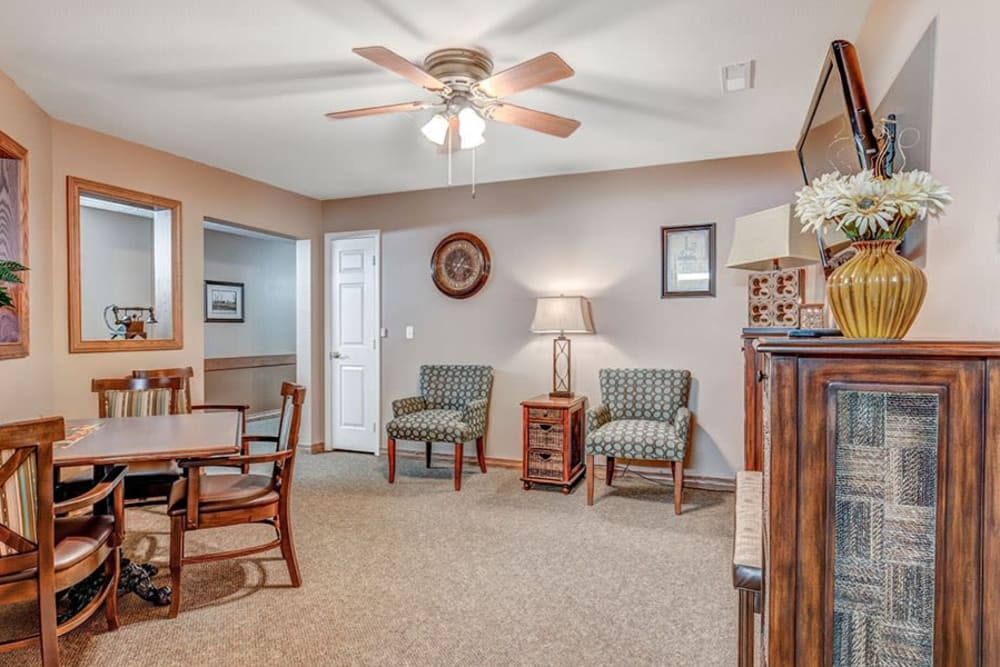 Comfortable sitting room at Brookstone Estates of Paris in Paris, Illinois