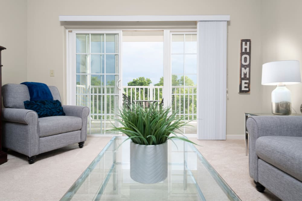 An apartment living room at Harmony at Chantilly in Herndon, Virginia