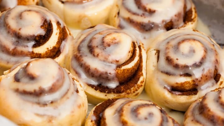 Tasty cinnamon rolls at Mirador & Stovall at River City Apartments in Jacksonville, Florida