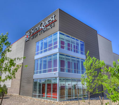 Exterior building at StorQuest Self Storage in San Jose, California