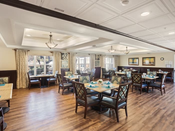 elegant common room at Pacifica Senior Living Spring Valley in Las Vegas, NV