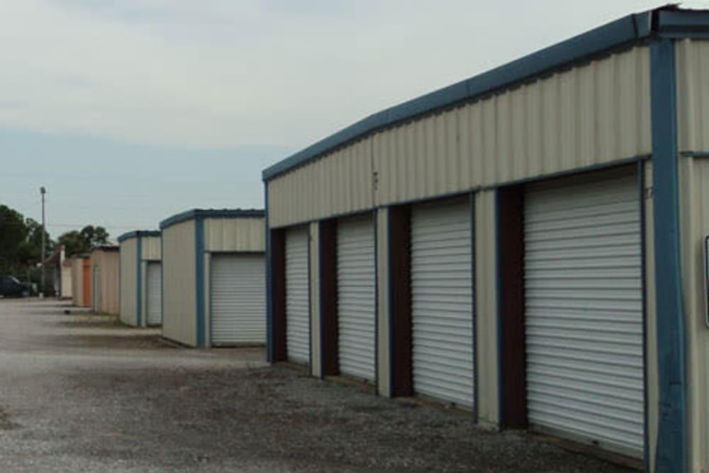 Outdoor storage unites at East 180 U-Stor-It in Orange Beach, Alabama