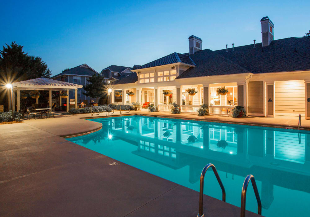 Resort-style swimming pool area at The Seasons at Umstead in Raleigh, North Carolina
