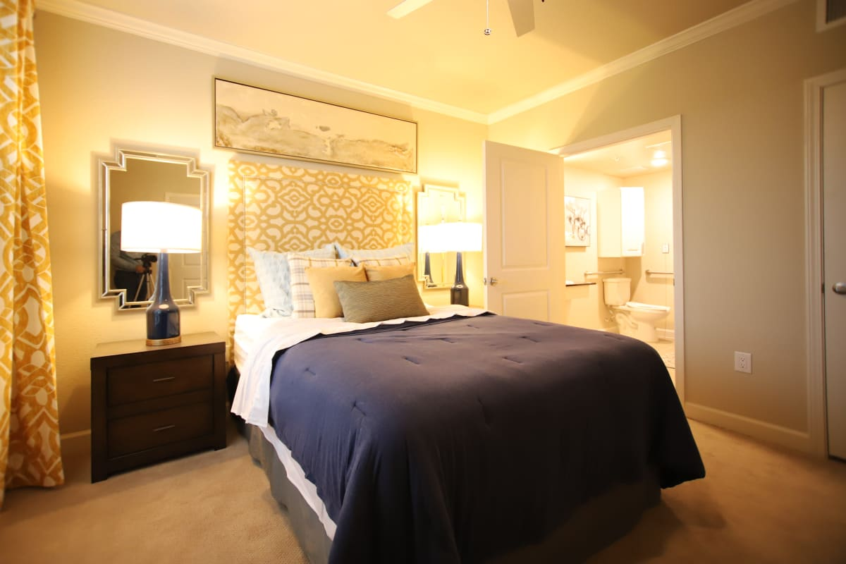 A bedroom at Landing at Watercrest Shadow Creek Ranch in Pearland, Texas