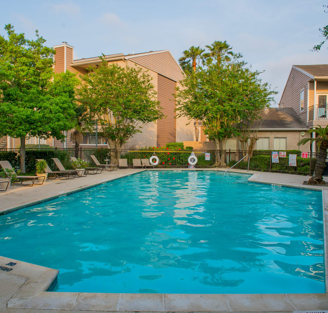Swimming pool at Walnut Ridge Apartments in Corpus Christi, Texas