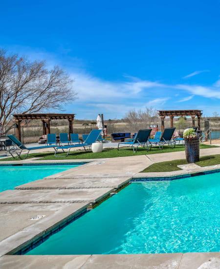 View the luxury amenities at 2803 Riverside in Grand Prairie, Texas