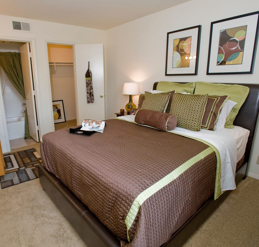 Bedroom at Boulder Ridge in Tulsa, Oklahoma