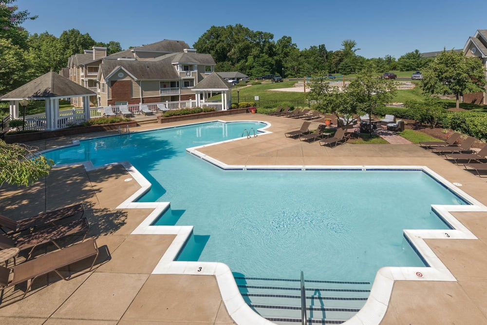 A large two-part swimming pool at Residences at Belmont in Fredericksburg, Virginia
