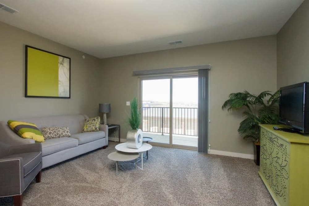 Living room at The Summit at Sunnybrook Village in Sioux City, Iowa