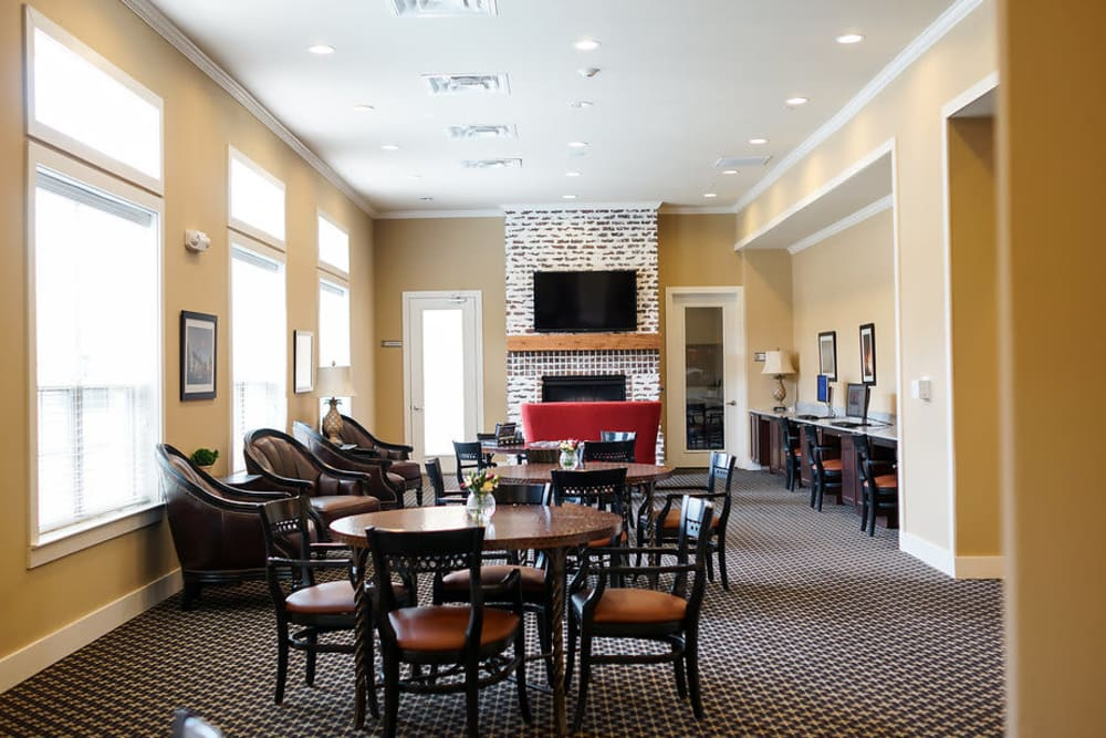 Living room at The Claiborne at Hattiesburg Assisted Living in Hattiesburg, Mississippi