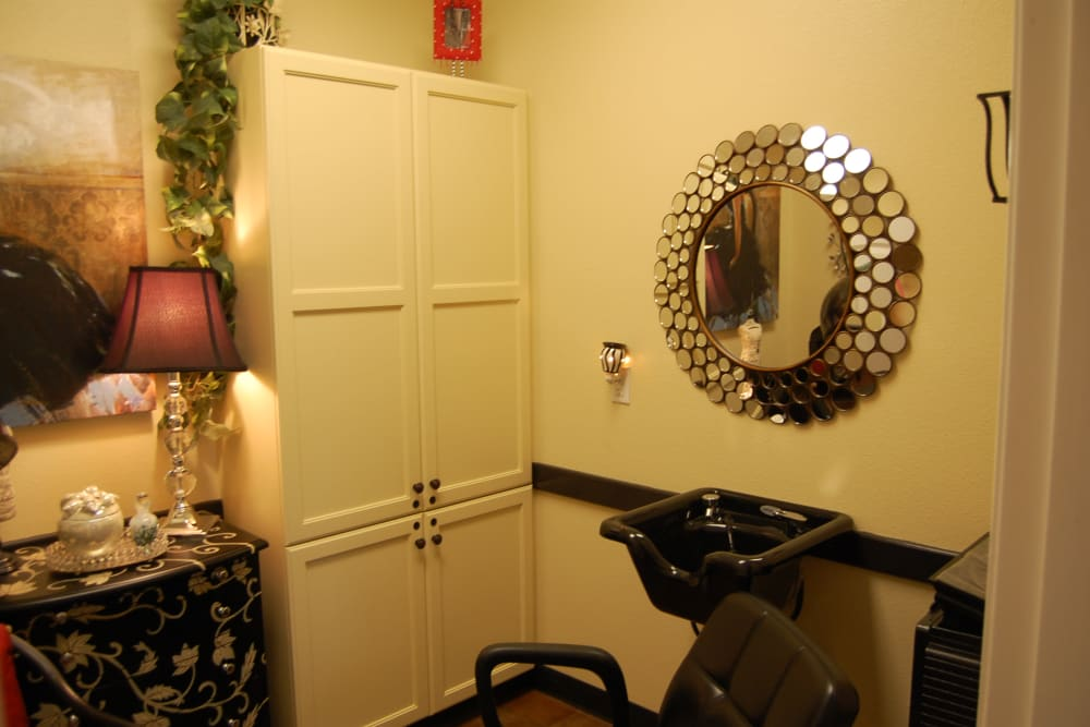 The onsite hair salon at Autumn Grove Cottage at The Heights in Houston, Texas