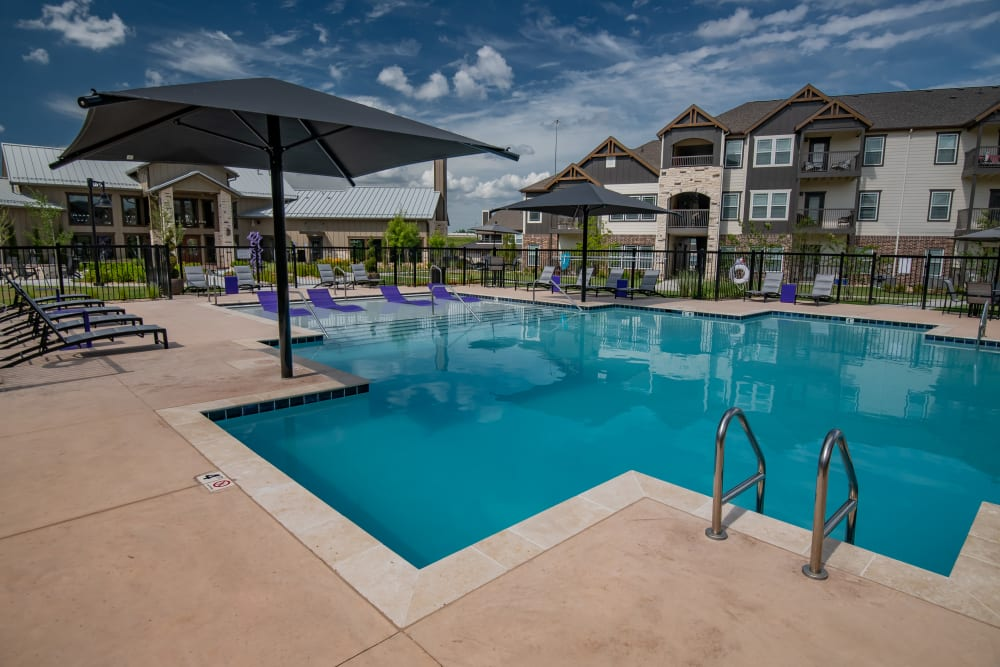 Resort-style pool at Cedar Ridge in Tulsa, Oklahoma