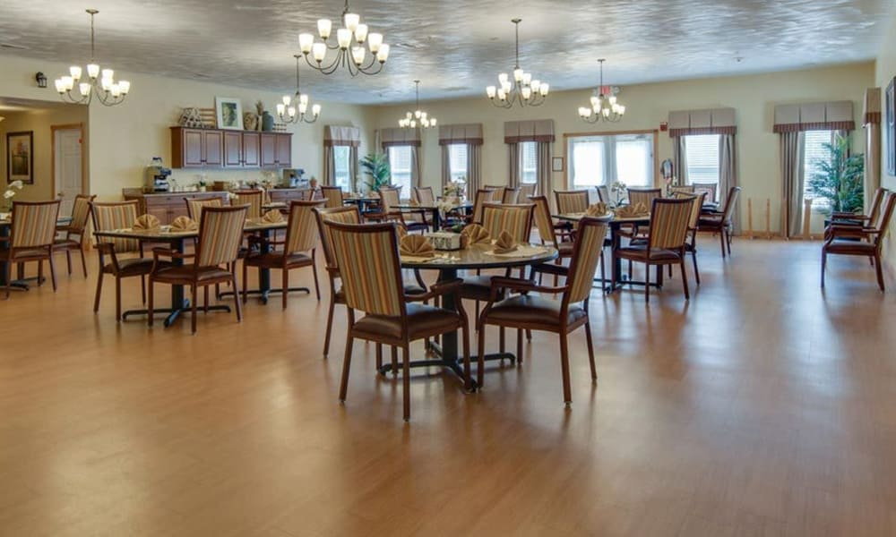 Dining room at Victorian Place of Washington Senior Living in Washington, Missouri
