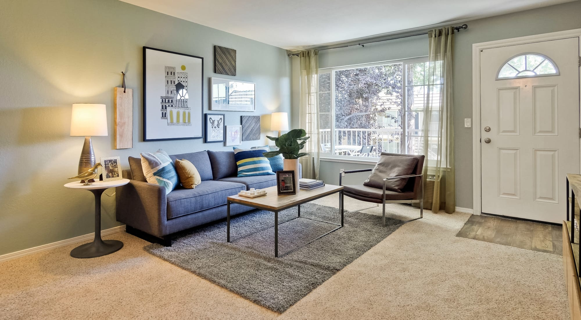 Apply to live at Sofi at Los Gatos Creek in San Jose, California