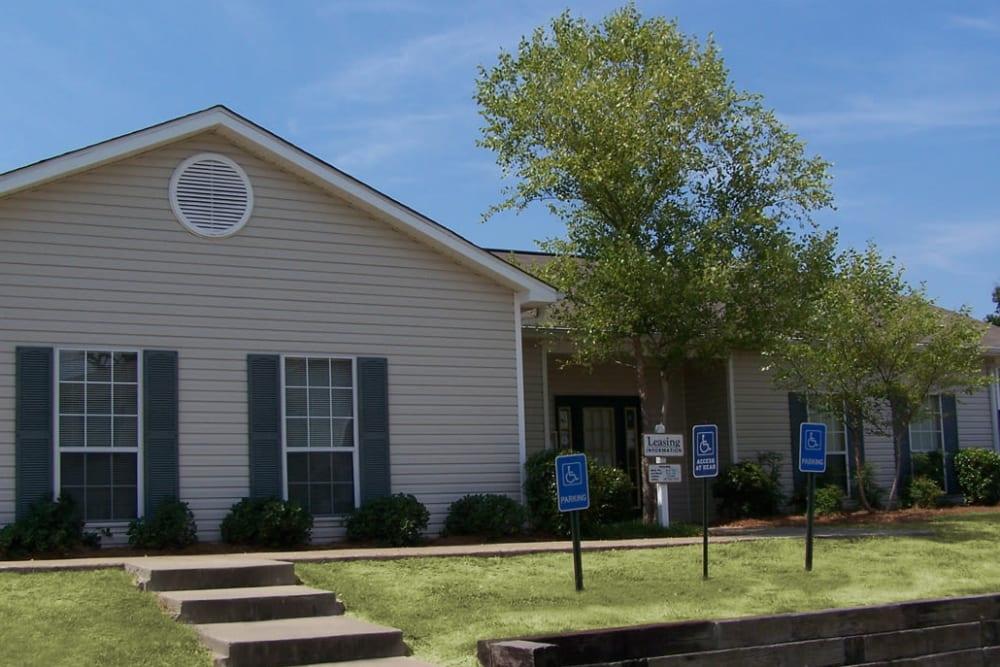 Exterior of leasing office at Park Wind Apartments in Jackson, Mississippi