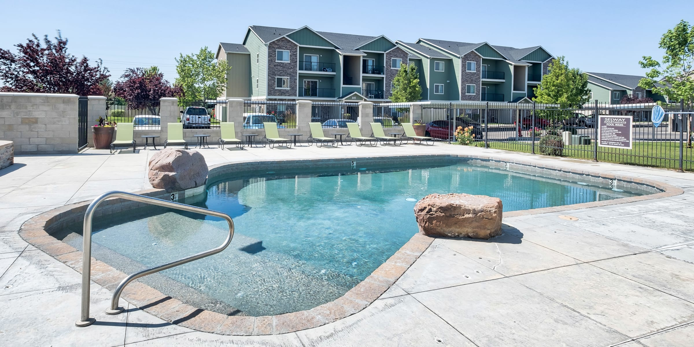 Selway Apartments offers a Beautiful Swimming Pool in Meridian, Idaho
