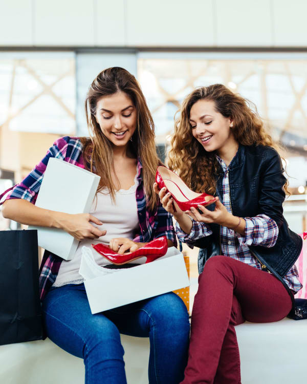 Girls enjoy shopping near Cordevalle Apartments
