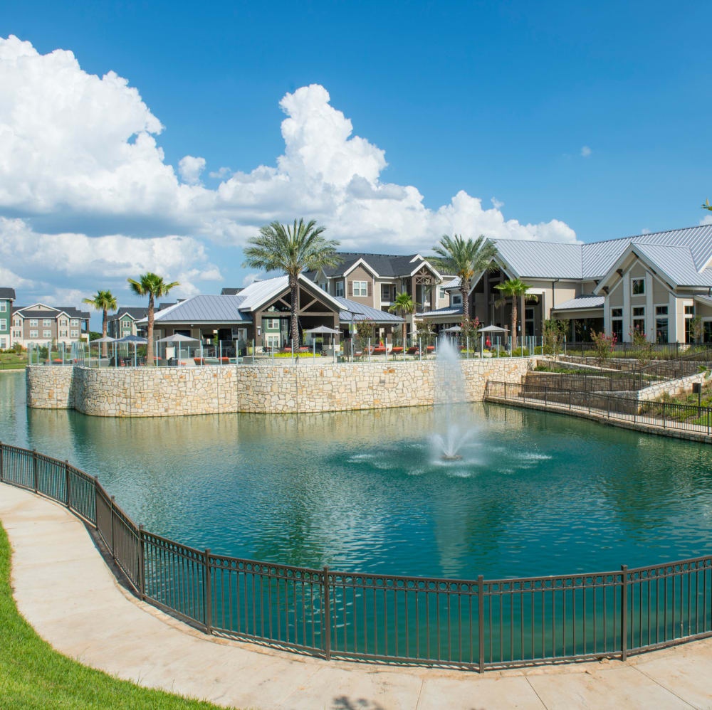 Pond-side housing at Elite 99 West in Katy, Texas