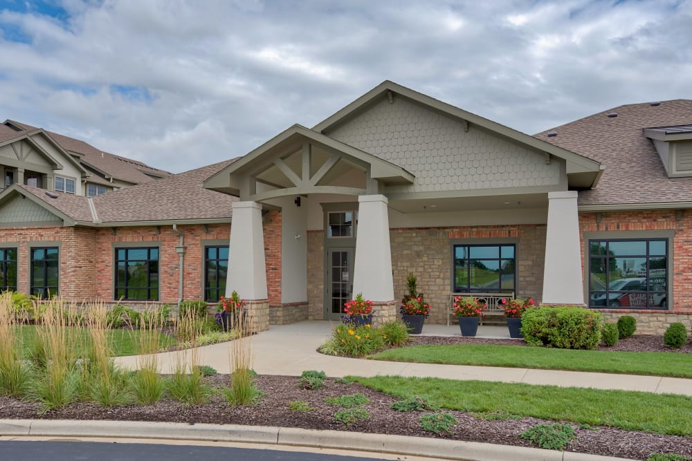 Exterior of the Rental Office at Boulders at Overland Park Apartments in Overland Park, Kansas