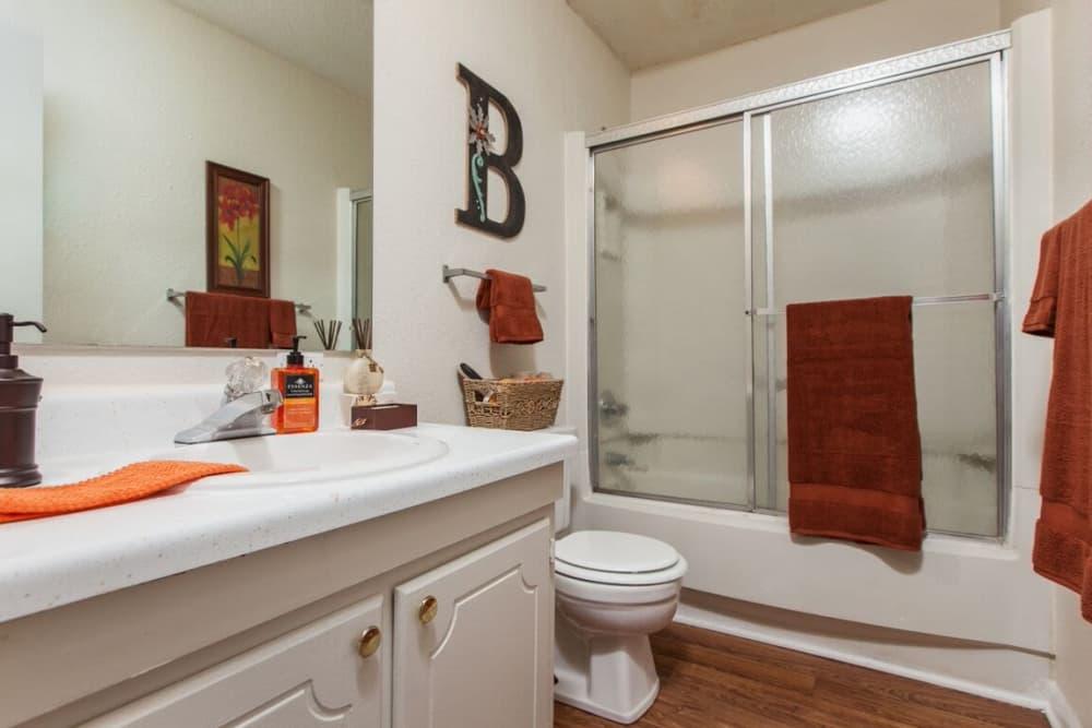 2 Bedroom Hall Bath