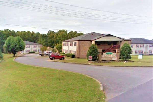 Whispering Oaks Apartments, Waverly, TN