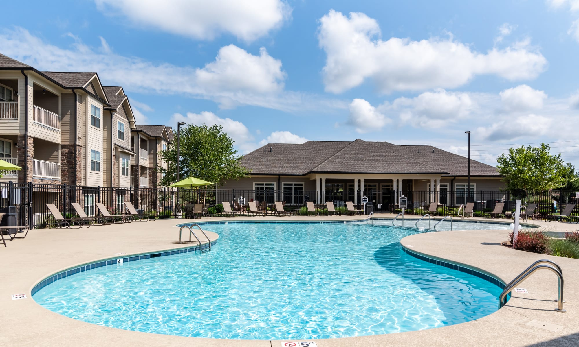 Swimming Pool at Commonwealth at 31 in Spring Hill, Tennessee