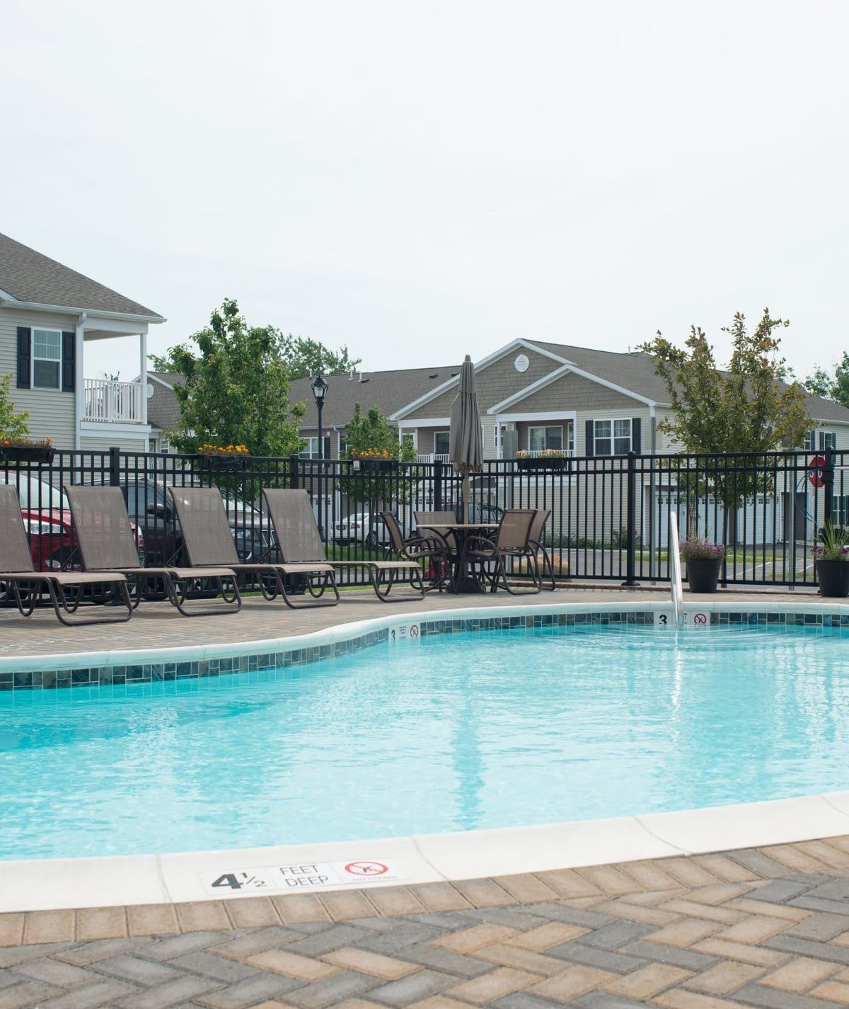 Apartments at Hampton Run in Glenville