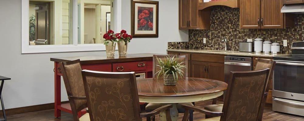 Upscale senior living apartment dinning room at The Springs at Veranda Park in Medford, Oregon