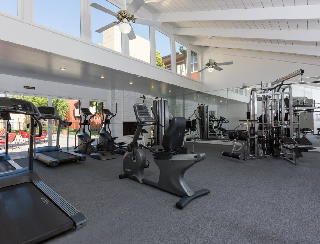 Carriage House's community amenities in Fremont, California