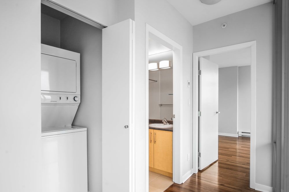 Apartments with a Washer/Dryer in Vancouver, British Columbia
