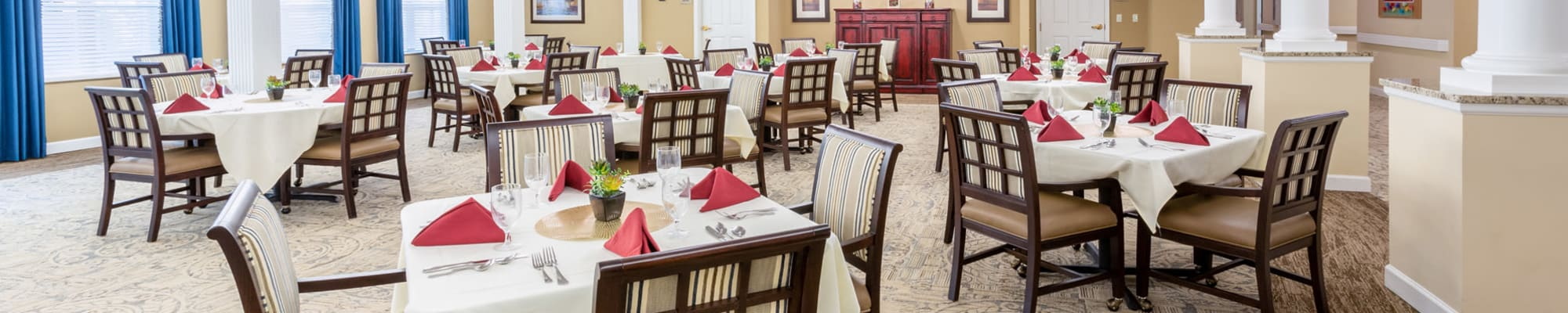 Dining at The Harmony Collection at Roanoke - Assisted Living in Roanoke, Virginia