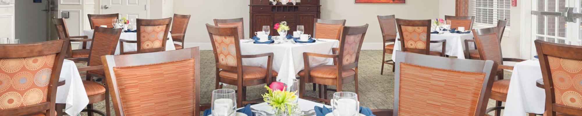 Dining at Harmony at Chantilly in Herndon, Virginia