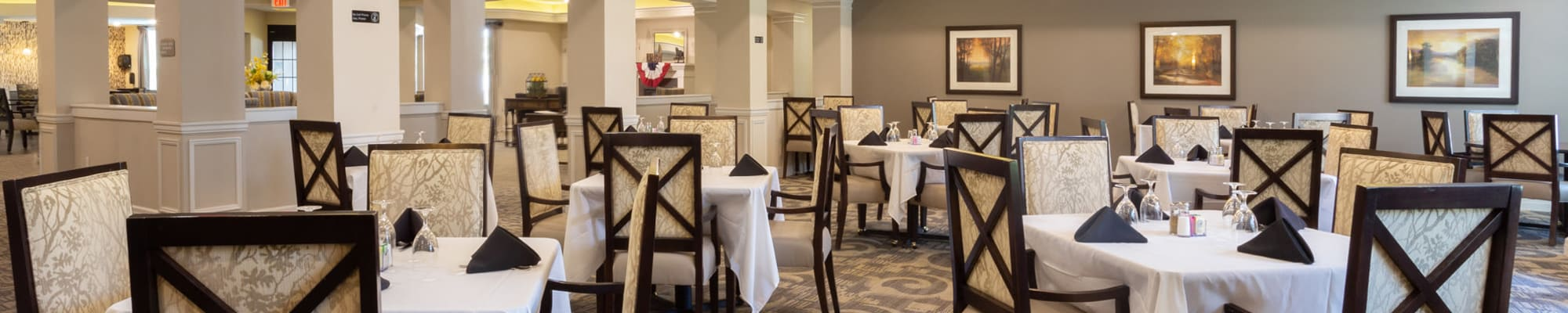 Dining at Harmony at Five Forks in Simpsonville, South Carolina