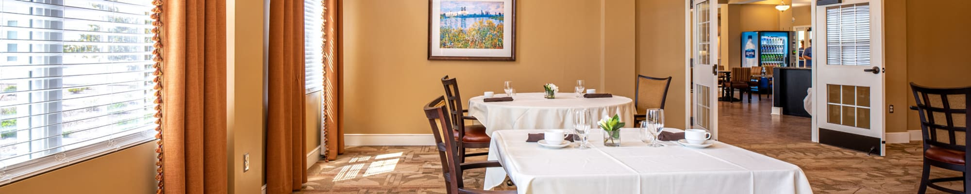 Dining at Harmony at Hope Mills in Fayetteville, North Carolina