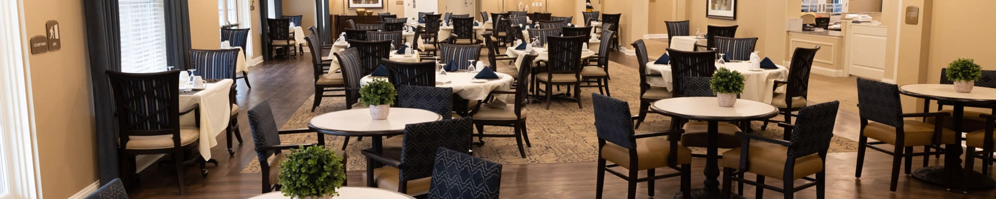 Dining at Harmony at State College in State College, Pennsylvania