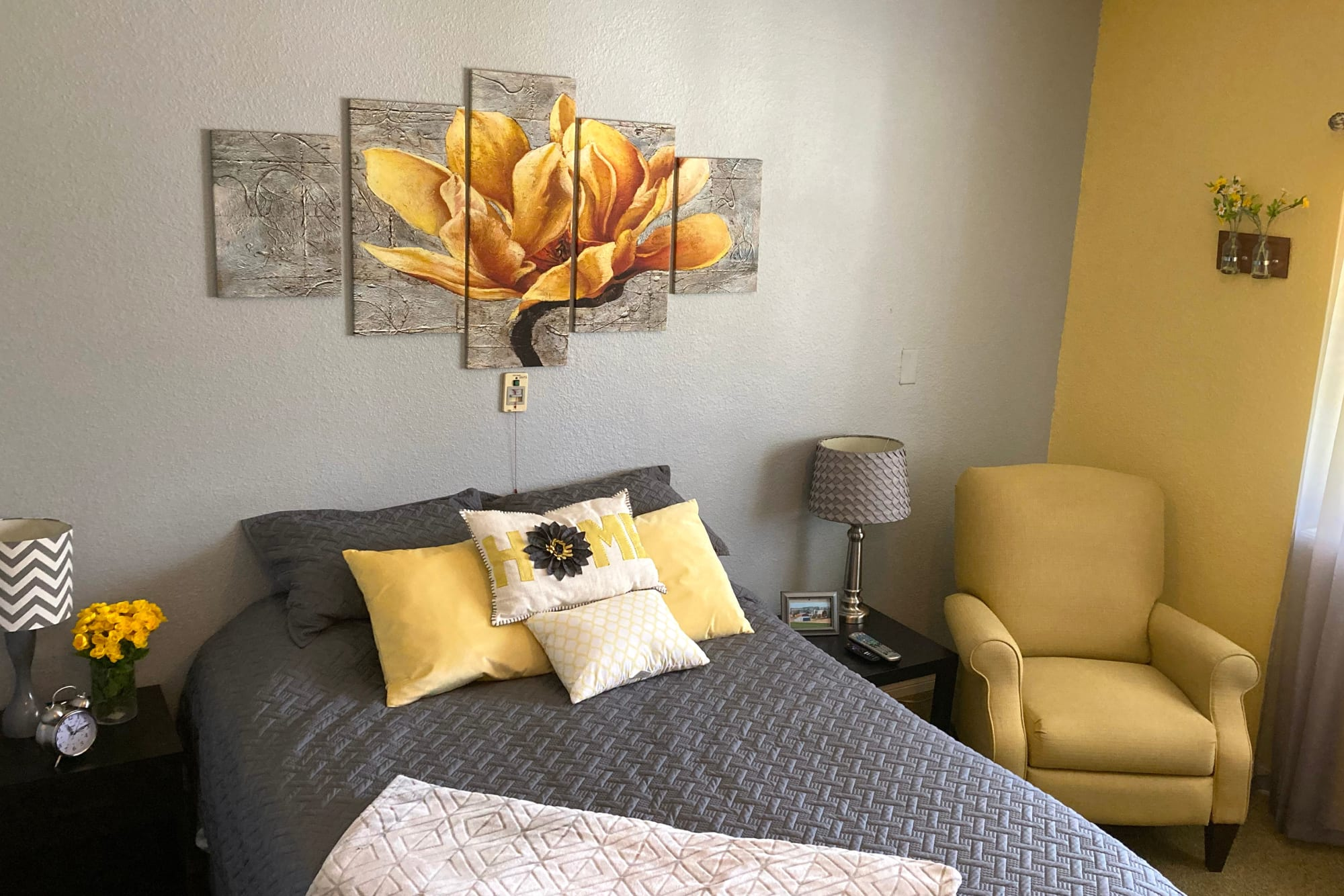 Bedroom in apartment at Homestead House in Beatrice, Nebraska
