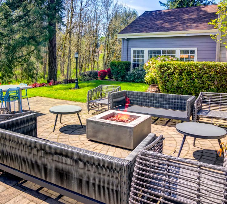 Lounge area around the fire pit at Sofi at Murrayhill in Beaverton, Oregon