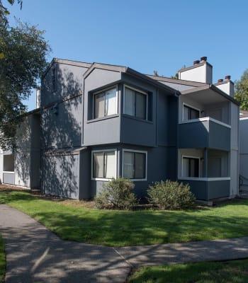 The exterior of Park Ridge Apartment Homes in Rohnert Park, California