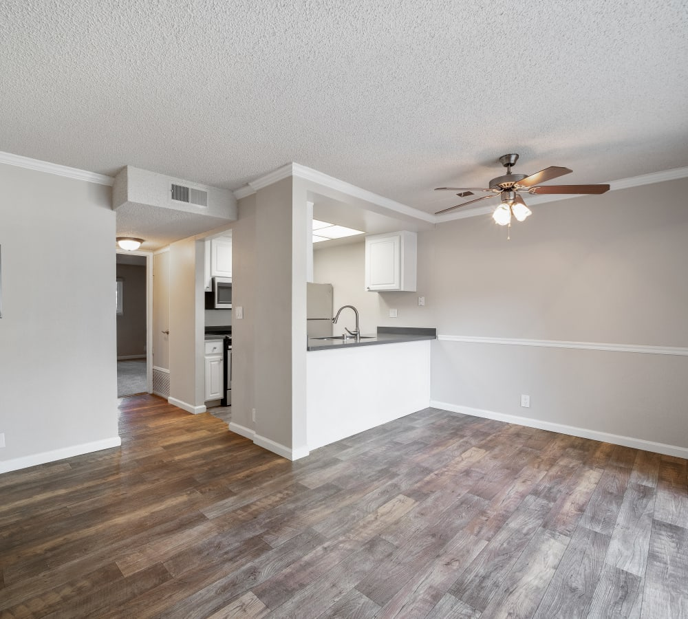 Enjoy a Beautiful Dining Area at Valley Ridge Apartment Homes