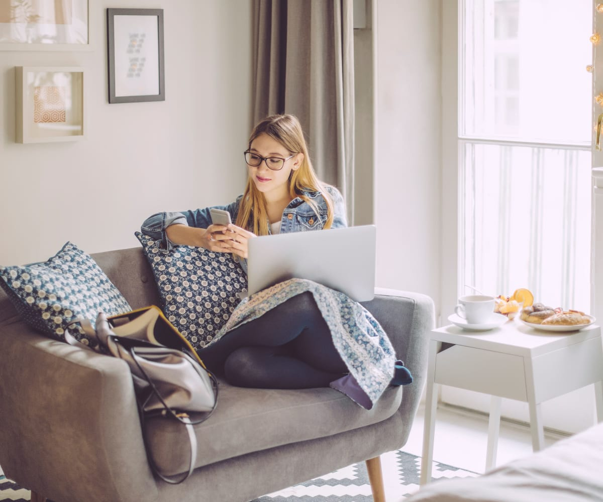 Resident working from home at Persimmon Square Apartments in Oklahoma City, Oklahoma