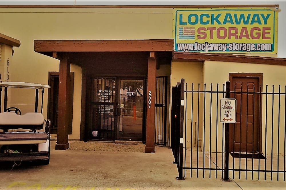 Front Office Exterior Lockaway Storage in San Antonio, Texas