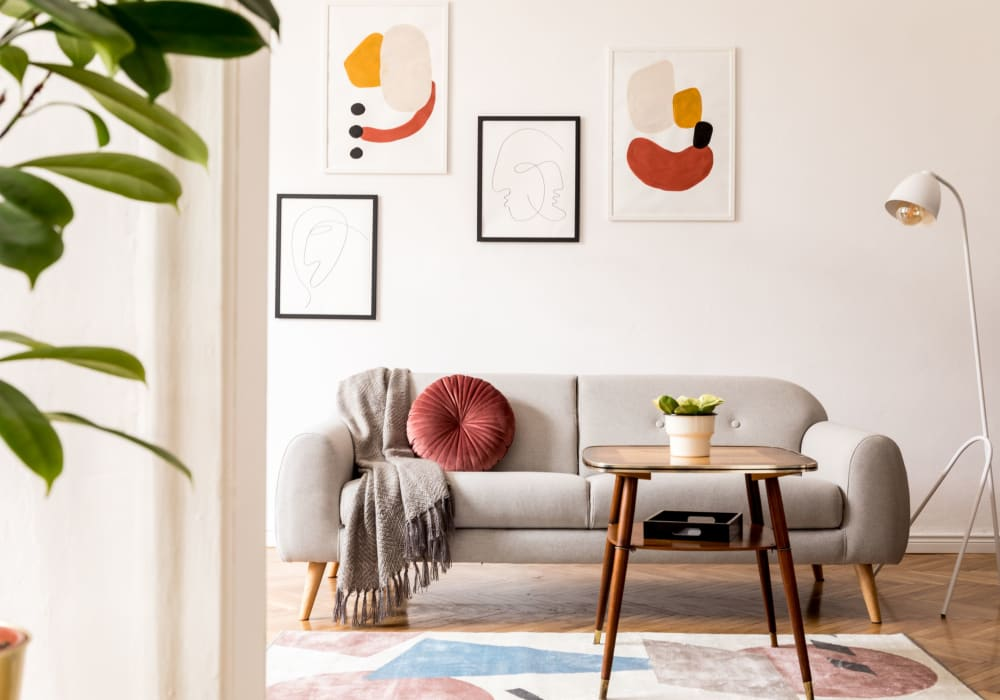 beautiful living room art at Glen Hollow Apartments in Glen Burnie, Maryland